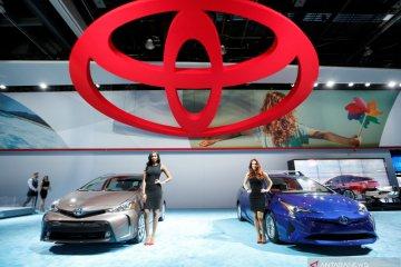 "Toyota uji Prius panel surya, mobil listrik tanpa ""colokan"" steker"