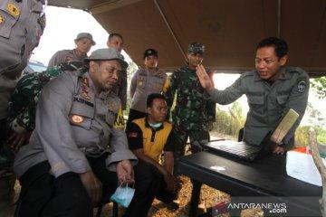 Kapolda Bersama Danrem Melakukan Pemadaman Karhutla
