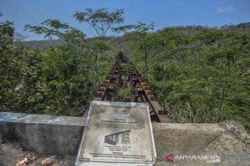 Jembatan Kereta Api Cikacepit Peninggalan Belanda