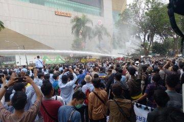 Demonstrasi mahasiswa di DPRD Sumsel ricuh
