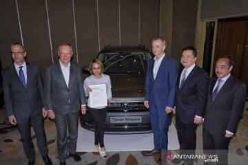 VW serahkan lima Tiguan Allspace kepada konsumen Indonesia