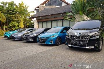 Toyota sebut belum putuskan produksi mobil hibrid di Indonesia