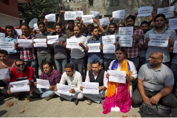 Baku tembak terjadi di wilayah Kashmir India