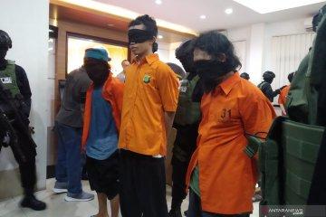 Sehari Densus 88 tangkap empat terduga teroris di Jawa Barat