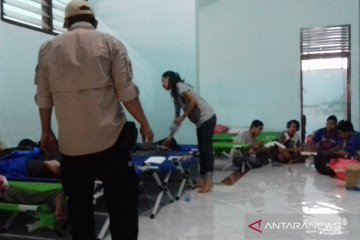 Diberangkatkan menuju Kupang, pengungsi Wamena yang sakit