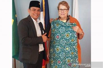 Legislator Bengkulu pamerkan kain besurek di USA