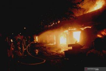 Pasar Ngunut Tulungagung terbakar