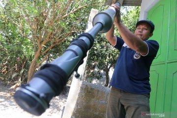Petani ciptakan alat penabur pupuk