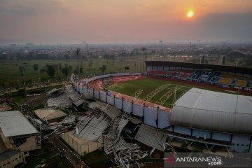 Stadion Sport Jabar Ambruk