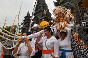 Pemelaspasan Pura Agung Wanakertha Jagadnatha di Palu