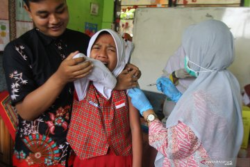 Imunisasi difteri di Malang