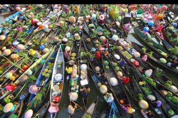 Pesona Pasar Terapung Lok Baintan 2019