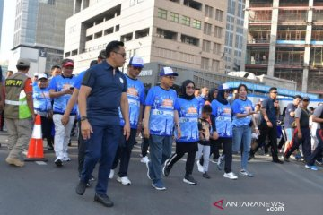 Politik kemarin, Wapres jalan santai hingga Menhan Prabowo di Bangkok