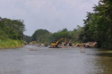 Aktivis surati Kapolri terkait penambangan ilegal Sungai Brantas