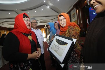 Penghargaan Kepada Nominasi Perempuan Hebat Kalsel