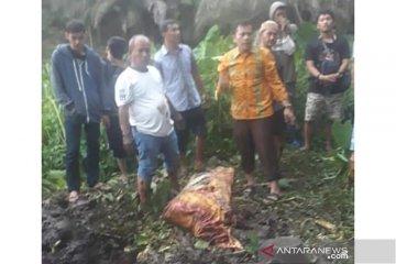 Polisi geledah rumah penjaga kos mahasiswi Bengkulu yang tewas