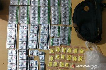 Polisi Cianjur tangkap pemuda diduga bandar obat terlarang