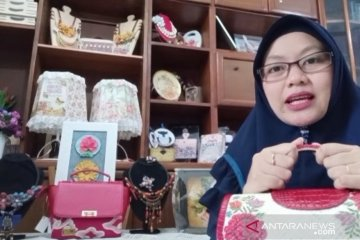 Egi Nurlatifah raih pelaku UMKM Juara berkat seni decoupage