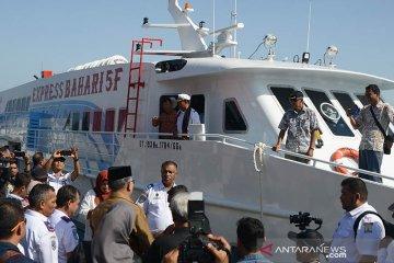 Plt Gubernur resmikan kapal expres tahun baru