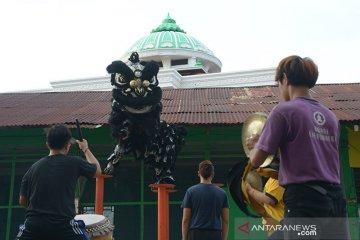 Persiapan Barongsai jelang Imlek di Aceh