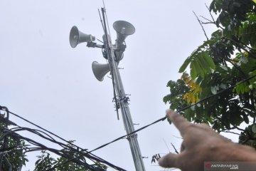 Sirine peringatan banjir di Cipinang Melayu
