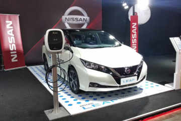 Cara Nissan kenalkan mobil listrik Leaf
