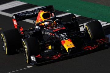 Max Verstappen geber mobil baru Red Bull RB16 di Silverstone