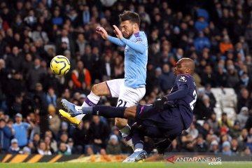 Manchester City menundukkan West Ham United dengan skor 2-0