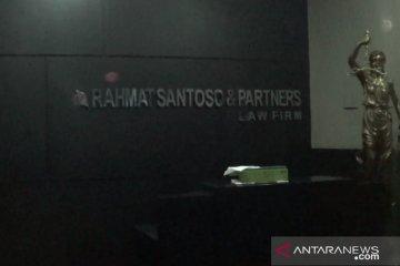 KPK geledah kantor advokat di Surabaya