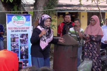 Mengolah sampah menjadi rupiah