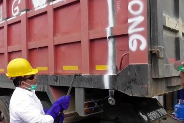 Kemenhub imbau operator angkutan truk normalisasi truk over dimensi