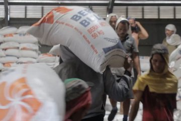 Penyaluran bantuan untuk masyarakat Sumbar mulai Senin