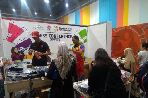 Merchandise Asian Para Games banting harga, pengunjung masih sepi