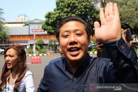 Sidang perdana kasus 'bau ikan asin' terdakwa Galih Ginanjar dkk