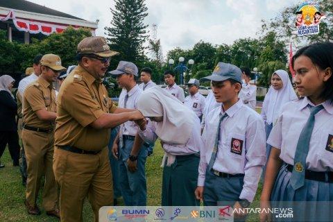 Wali Kota Balikpapan Rizal Effendi Saat Lepas peserta SMN Kaltim