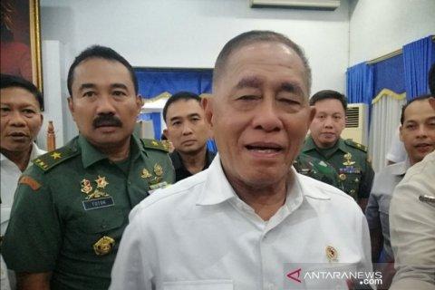 Ryamizard ucapkan selamat kepada Prabowo sebagai Menteri Pertahanan