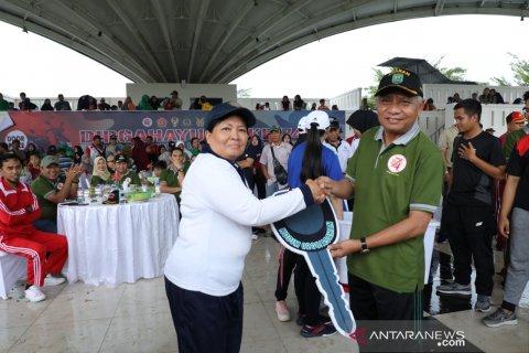 Bupati Asahan lepas ribuan peserta jalan santai HUT TNI
