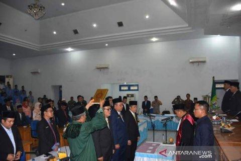 Pimpinan DPRD Madina periode 2019-2024 dilantik