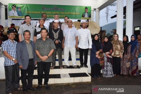 Pemkab Madina siapkan lapangan kerja bagi lulusan Akbid di Malaysia