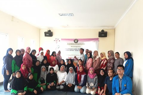 Tim Pengmas Fakultas Farmasi Universitas Pancasila