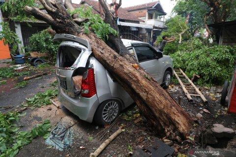 Bencana angin kencang di Kediri