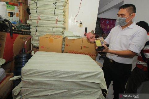 Penggerebekan tempat produksi jamu ilegal