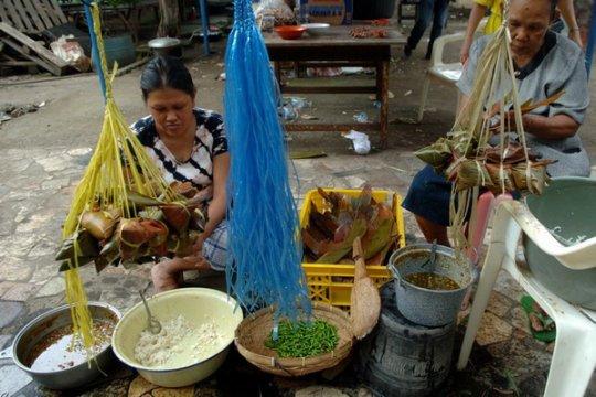 Pemkot Singkawang bagikan 50.000 kue bacang kepada masyarakat