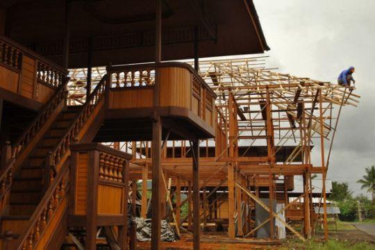 Rumah panggung Melayu Bali terancam punah