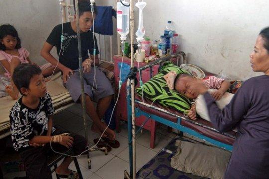 Ribuan Karyawan KMK Tangerang Keracunan