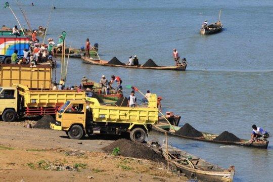 Jenazah bocah tenggelam Sungai Serayu dievakuasi tim SAR