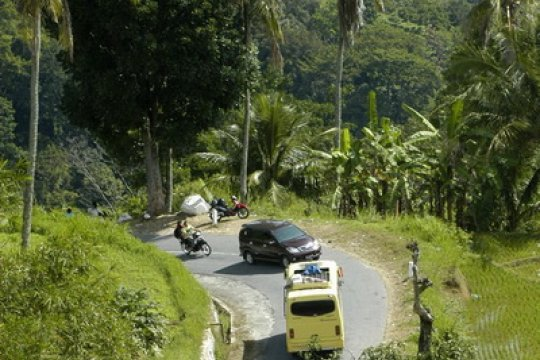 Empat ruas jalan rawan longsor di Agam harus diwaspadai pemudik