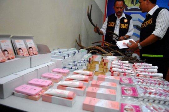 """Polisi akan periksa artis """"endorse"""" kosmetik ilegal"""
