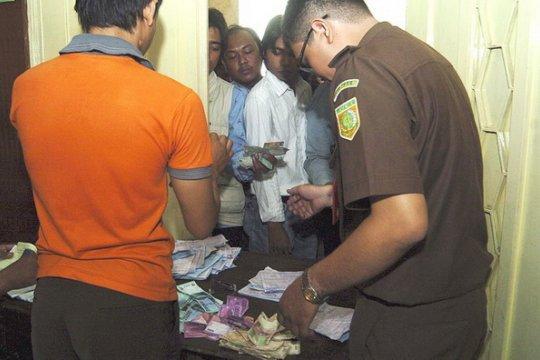 Oknum petugas Kejari Rembang diduga tilap duit tilang Rp2,8 miliar