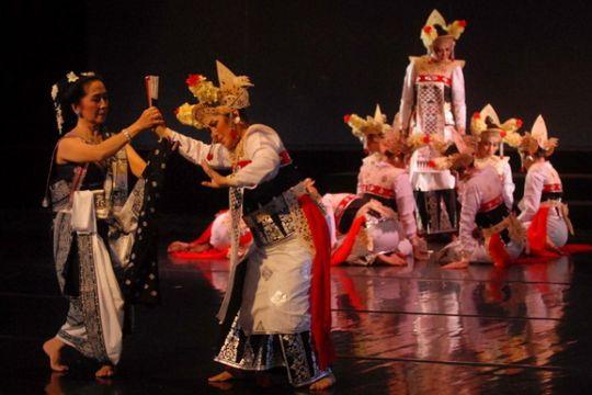 "Drama musikal ""Calon Arang"" sihir masyarakat Hangzhou"